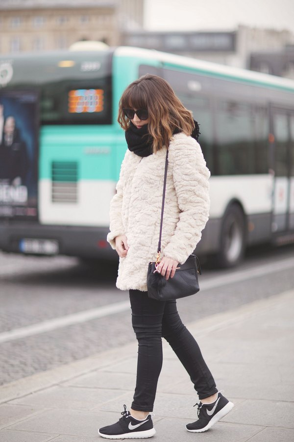 blog mode paris femme du style madame streetstyle look manteau fourrure