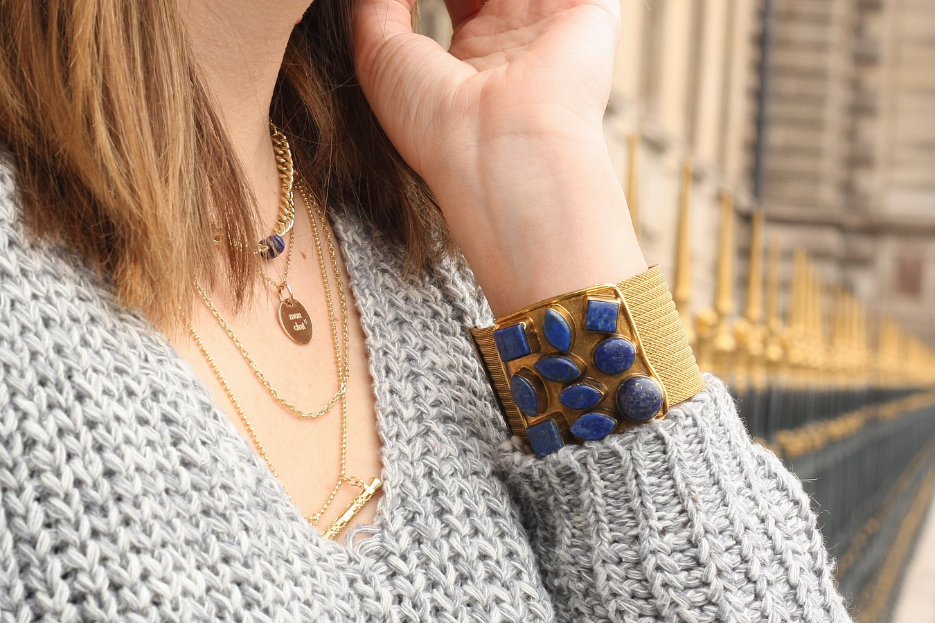 Blog mode femme Paris - Du style, Madame - Streetstyle - manchette - bijoux - oggi