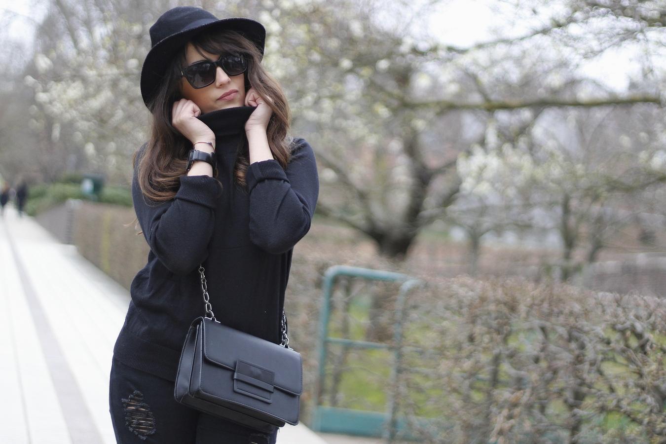 Blog mode femme Paris - Du style, Madame - Streetstyle - les colonnes de sarah - black outfit