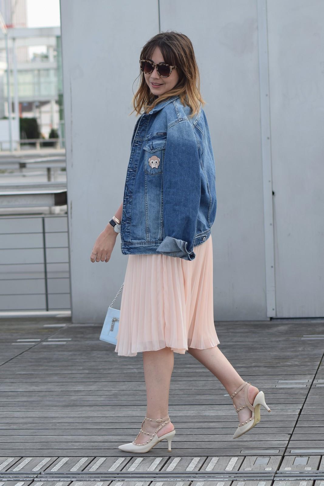 du style madame - streetstyle - mode femme - look femme - paris - jupe midi rose