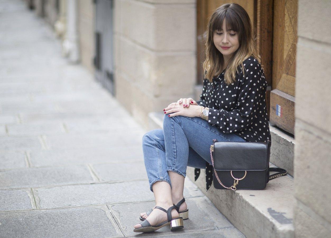 du style madame - streetstyle - mode femme - look femme - paris - mom jean - chemise à pois - sac faye chloé