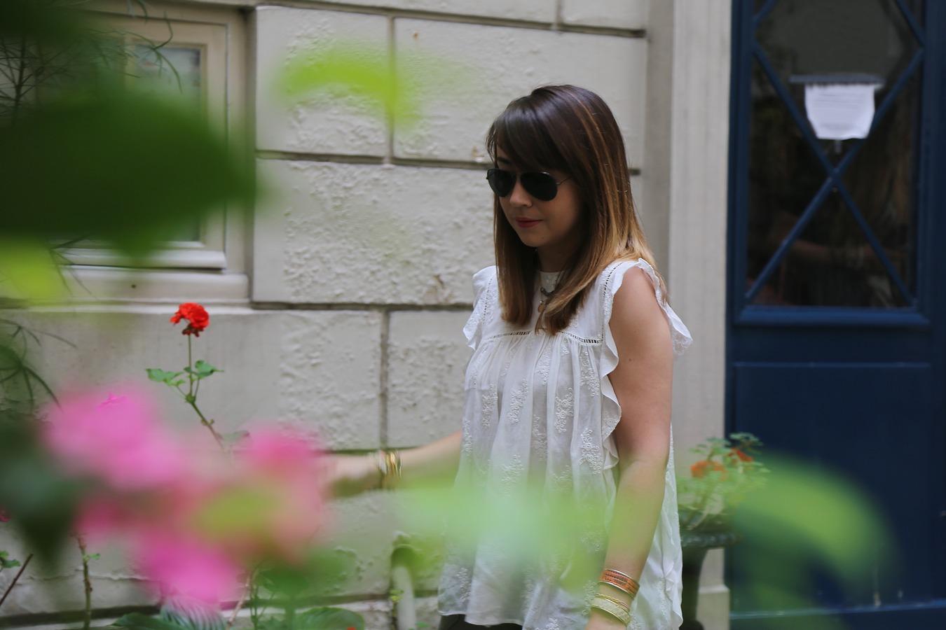 du style madame - blog mode femme - paris - streetstyle - look - kaki - dentelle