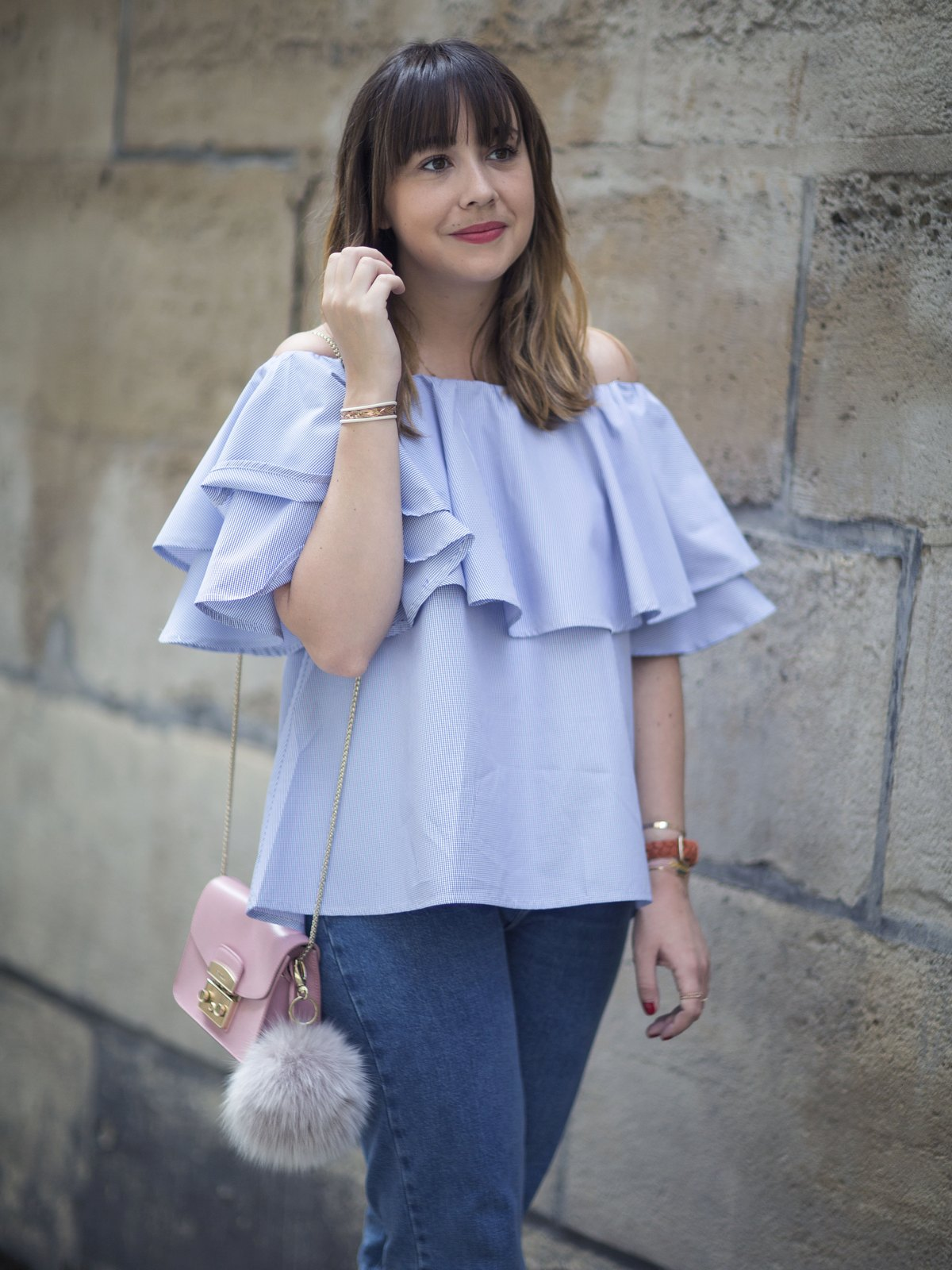 Blog mode femme Paris - Du style, Madame - Streetstyle - top bardot - mom jean
