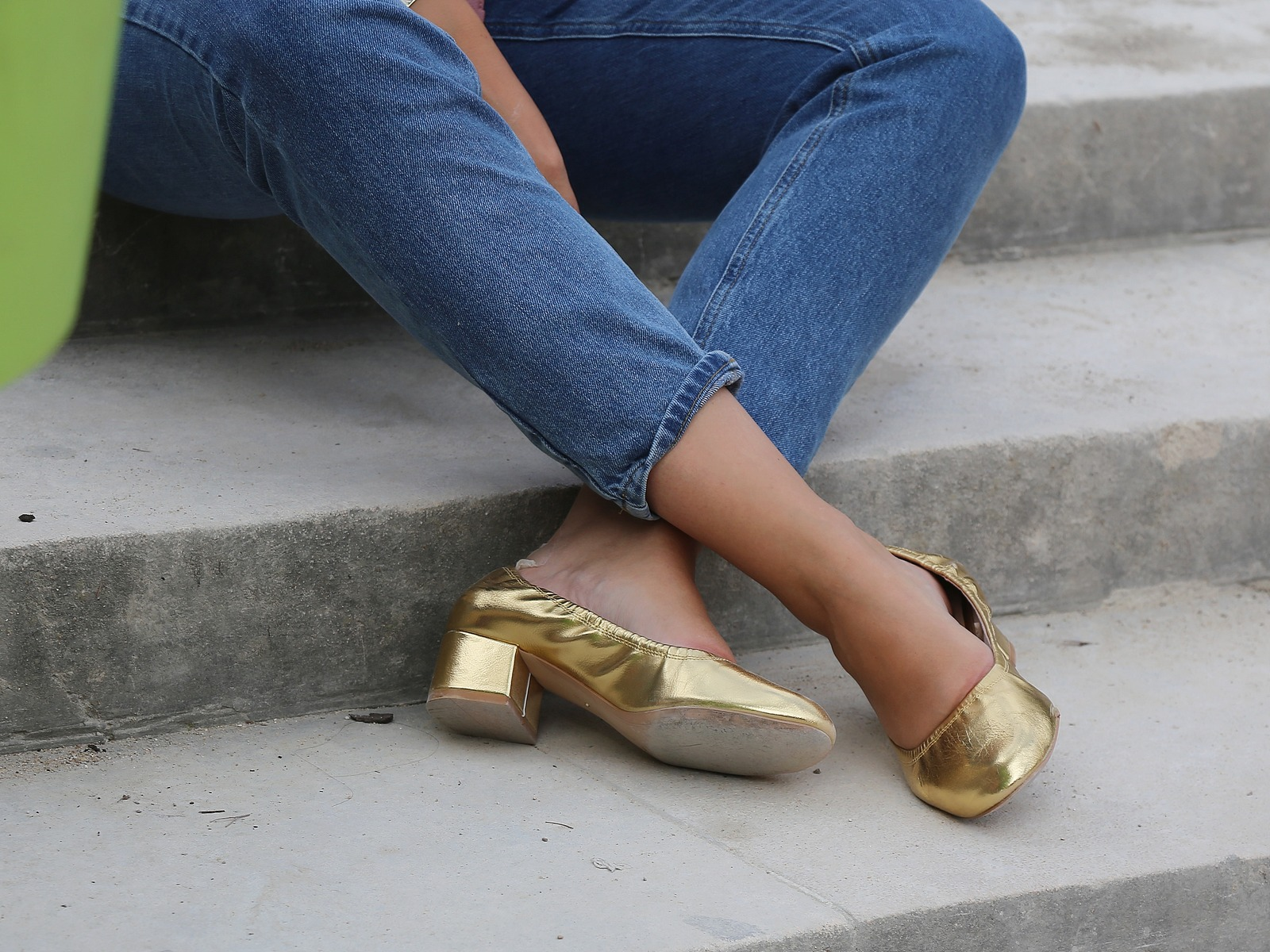 ballerines dorées à talon - stradivarius - gold