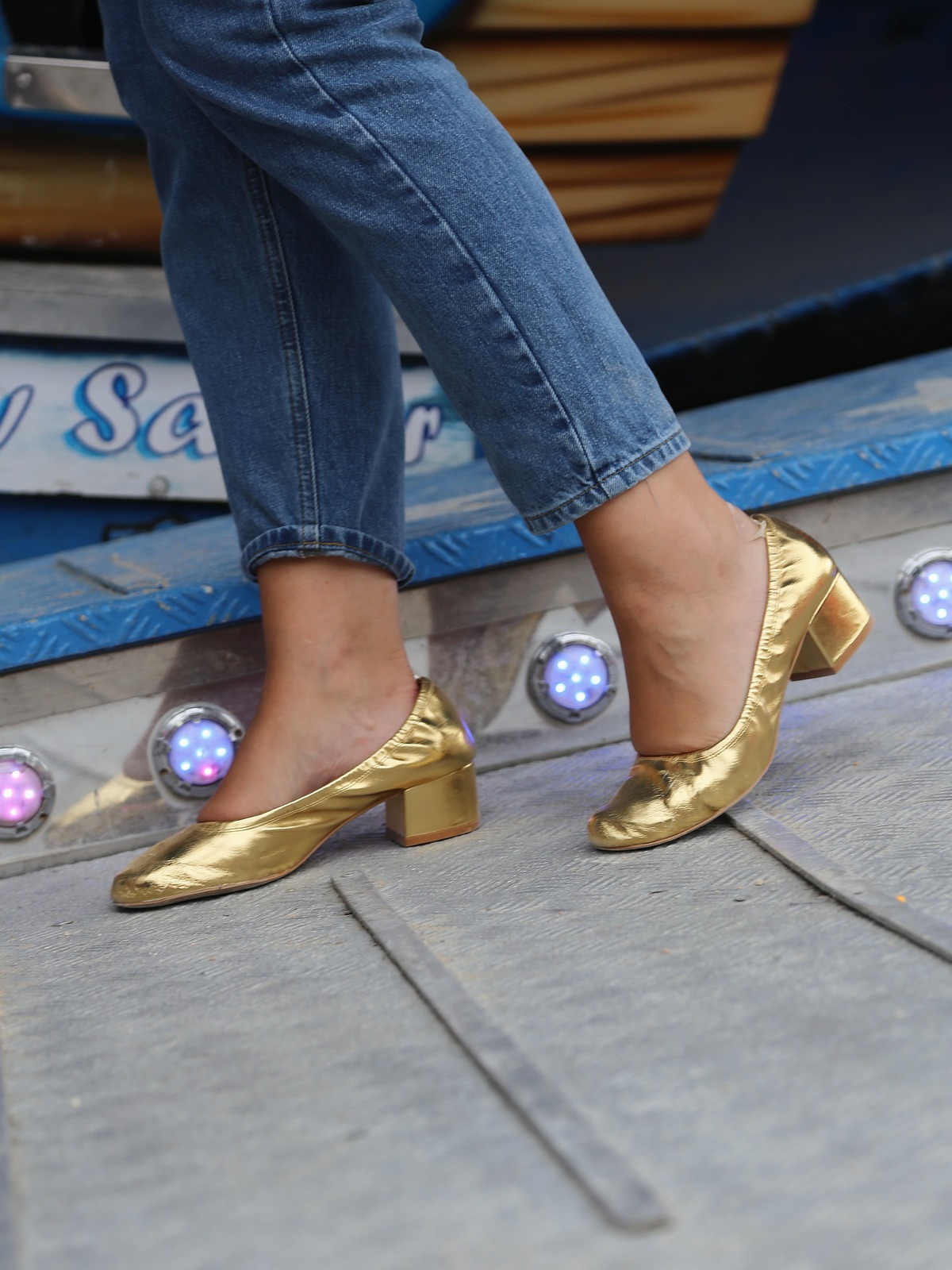 Blog mode femme Paris - Du style, Madame - streetstyle - ballerines dorées - gold