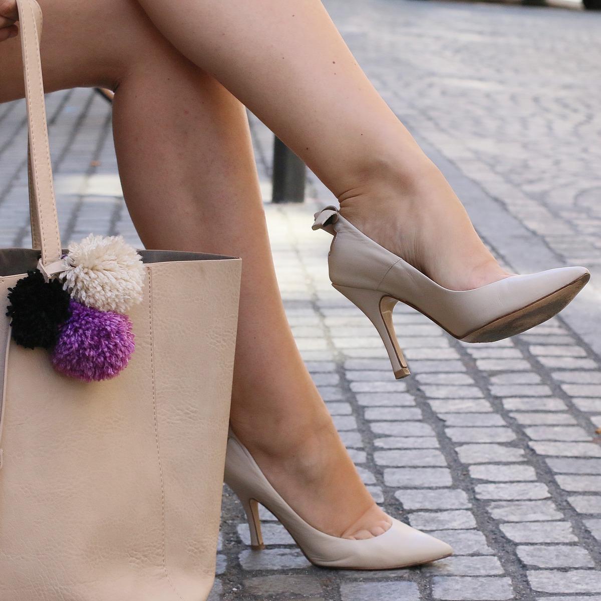 Blog mode femme Paris - Du style, Madame - Streetstyle - sac pompoms