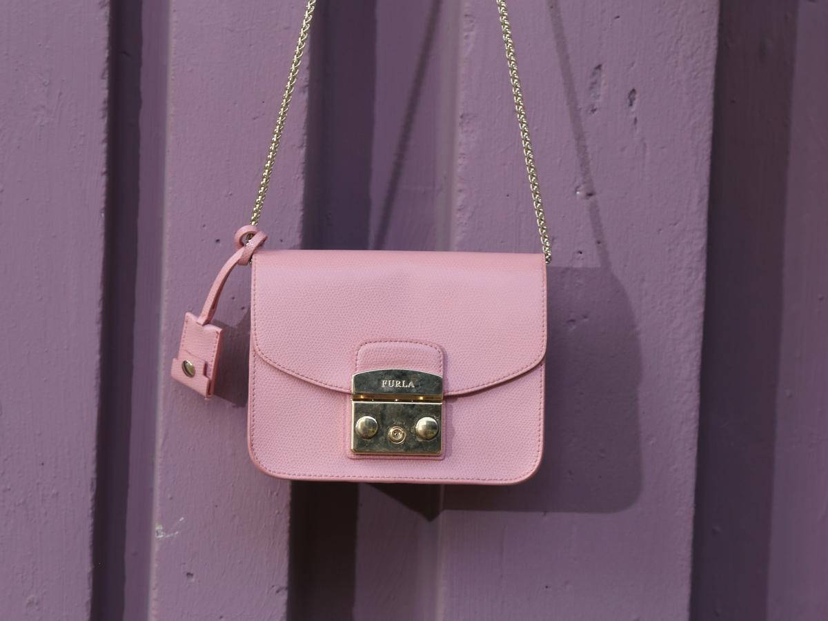 furla pink