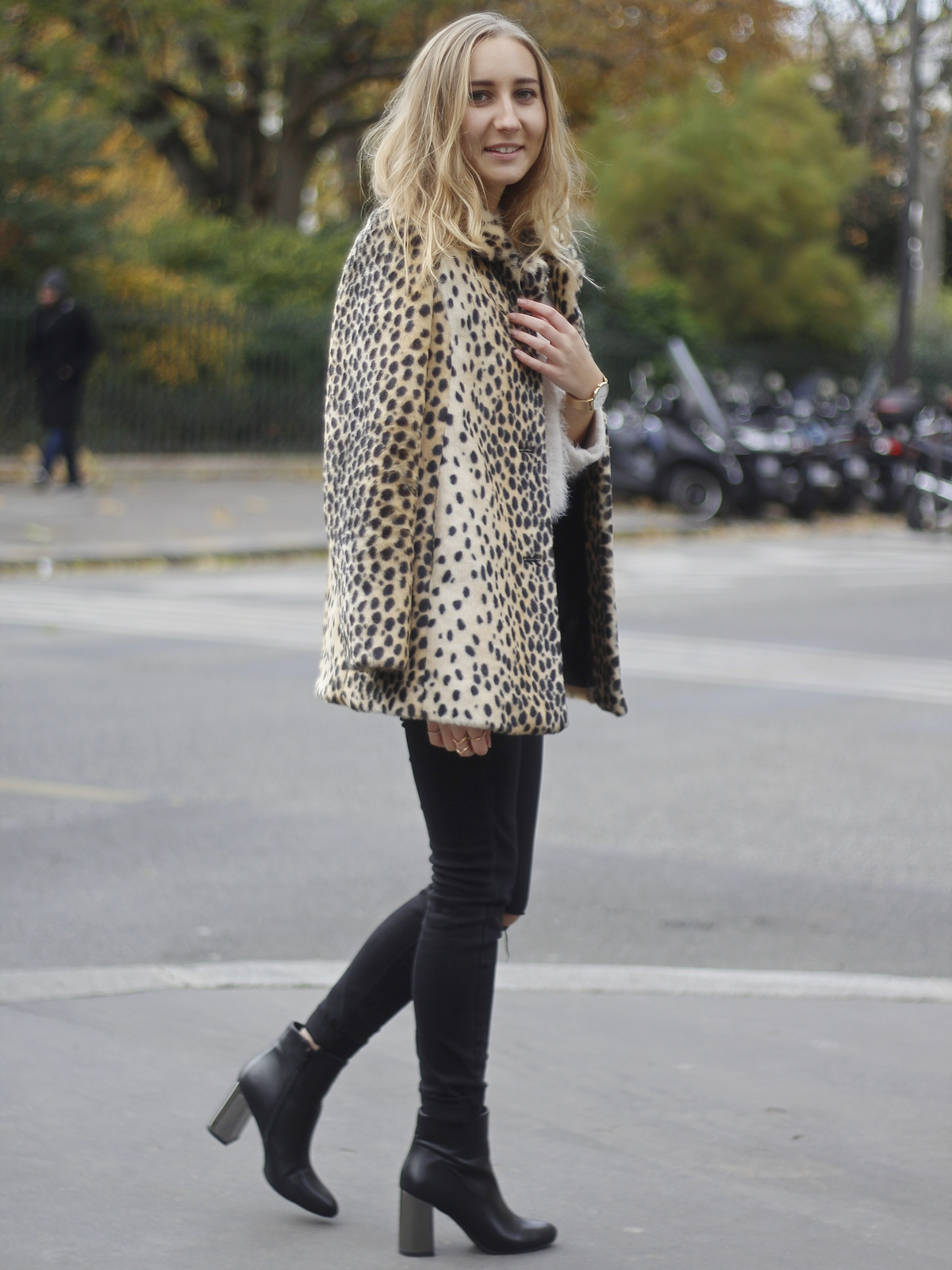 The Blondie World X Du style, Madame ! outfit - look - manteau léopard - leo coat