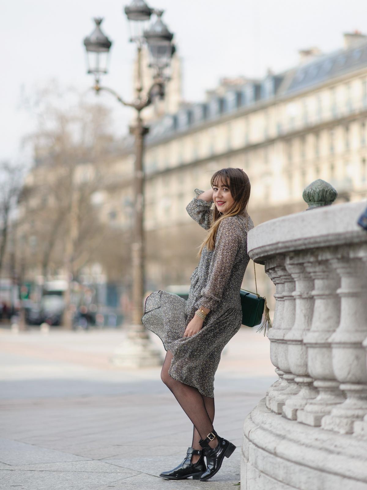 Boots et résilles - look - du style madame - bain de lumiere