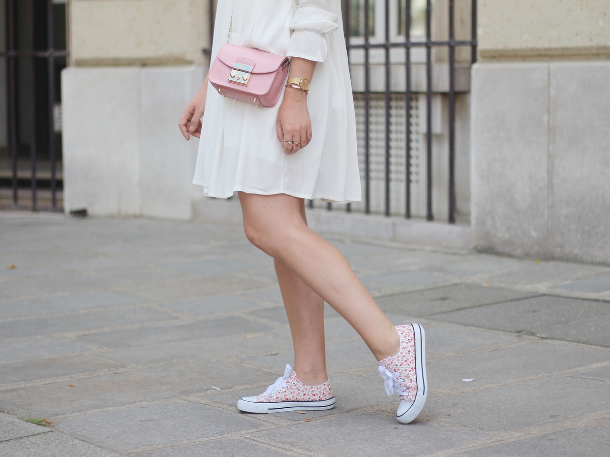 robe blanche - white dress - sister jane - dentelle - lace - furla bag - pink bag - romantic