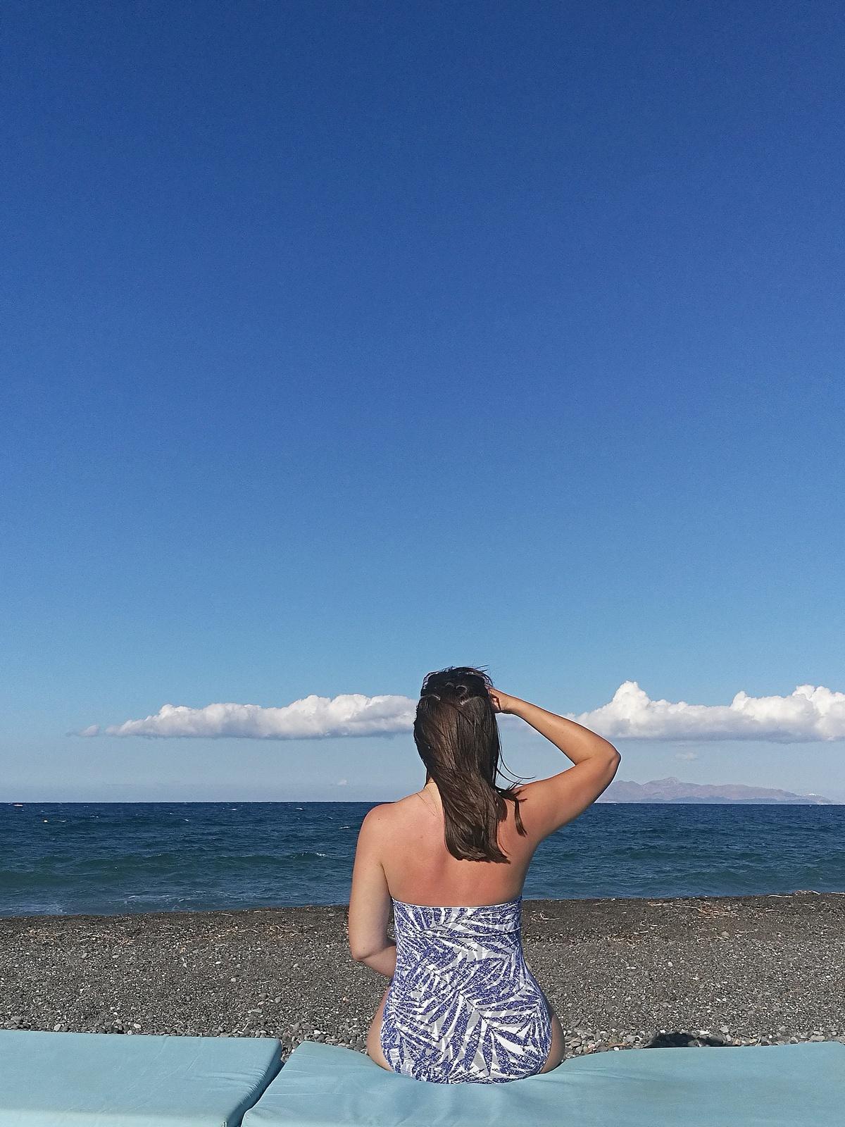 kamari beach - holidays - beachwear - plage du sud