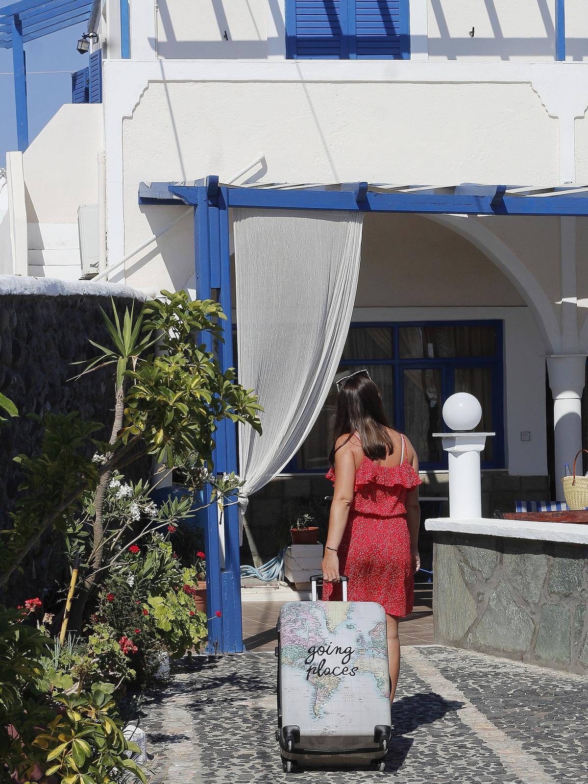 villa ilios - fira - santorin - hôtel pas cher - appartement hôtel - petit prix - booking - vacances
