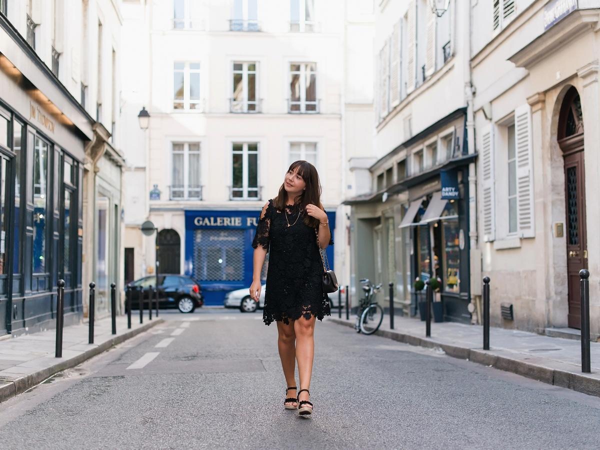 la petite robe noire - crochet - black dress - summer - parisienne - chanel bag - sac