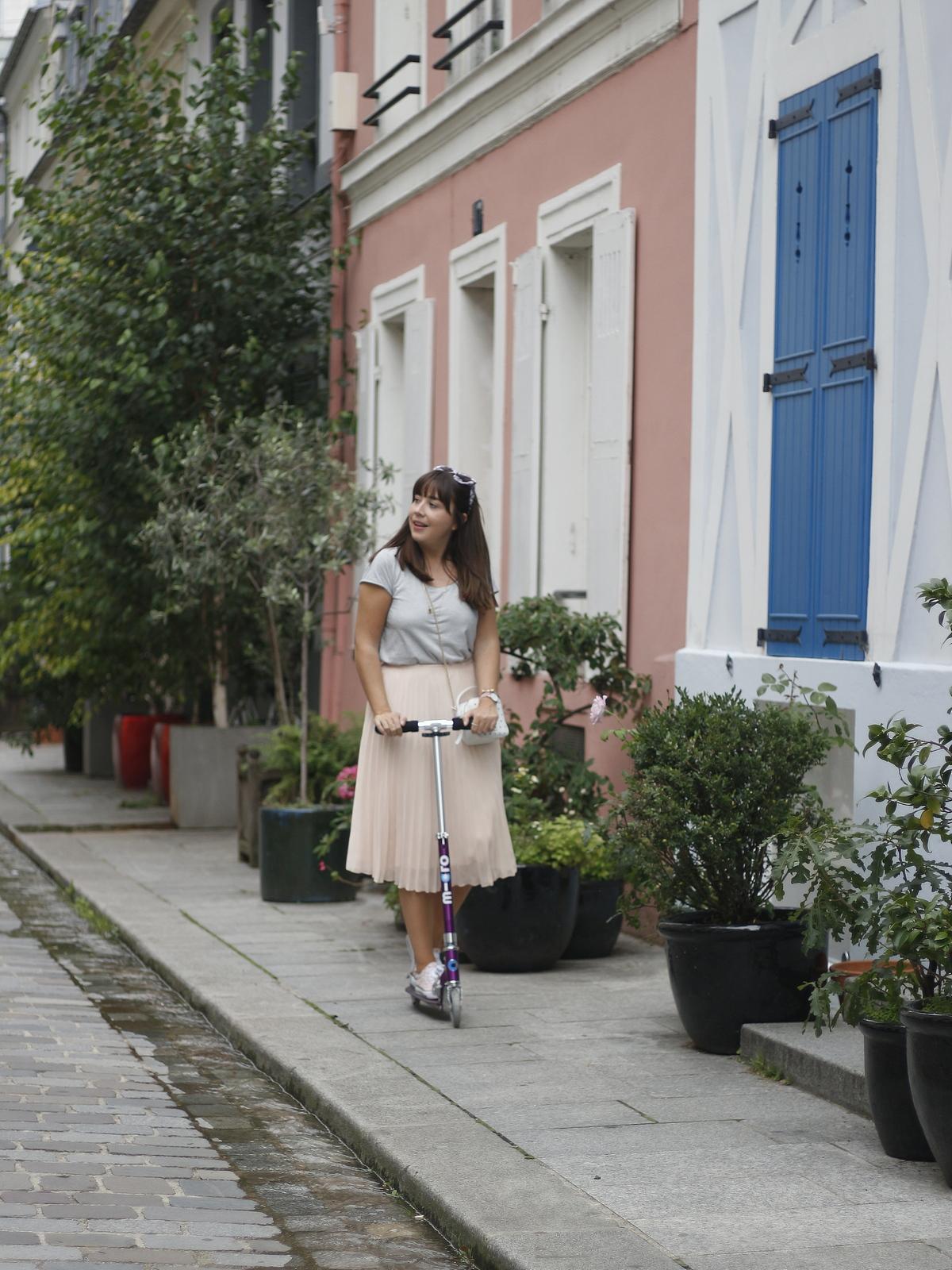 trottinette - pastel look - pastel outfit - rue cremieux - paris