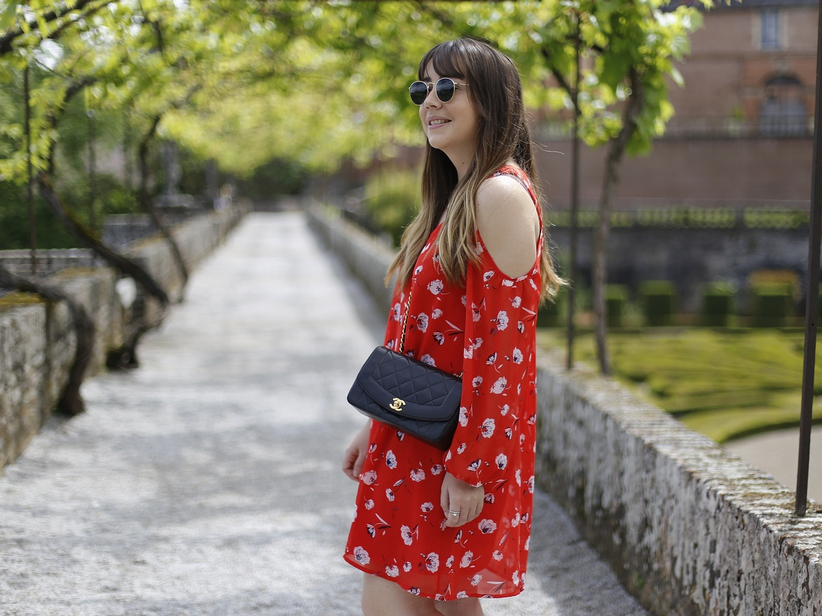 Red dress and off shoulders - summer - style - gemo - chanel bag - albi