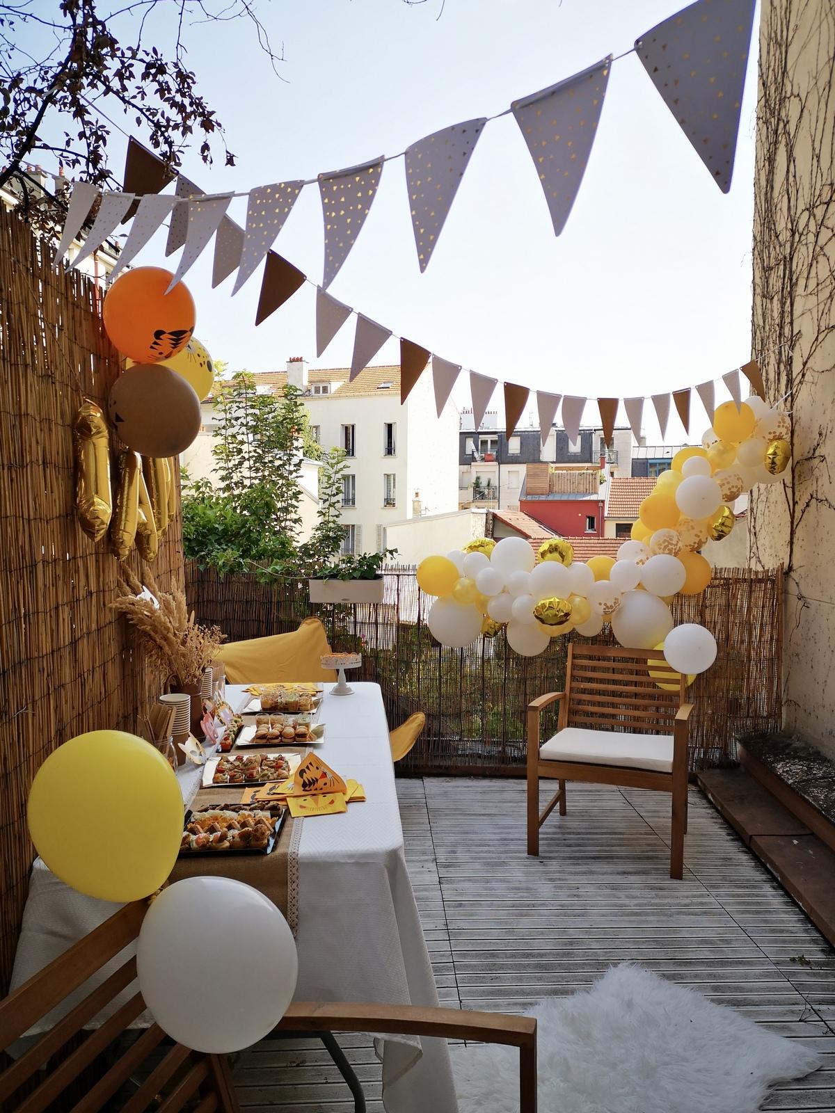 1 an; anniversaire; décoration anniversaire; anniversaire jungle; savane; bébé; arche de ballons; guirlande de ballons;